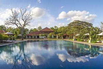 Ulagalla Resort Anuradhapura Outdoor Pool