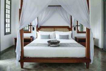 Amantaka Luang Prabang bed room