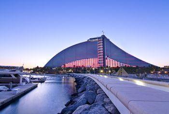 Jumeirah Beach Hotel bridge