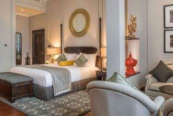 Strand Hotel Yangon In the room