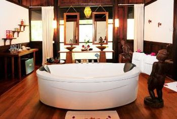Villa Inle Resort & Spa Bathroom