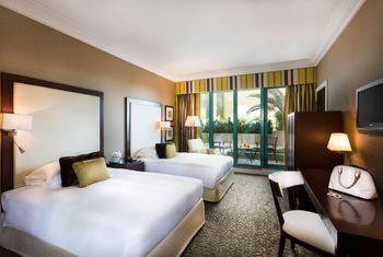 Al Bustan Rotana Dubai Bed Room