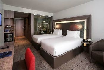 Novotel Bangkok Suvarnabhumi Airport Hotel bed room