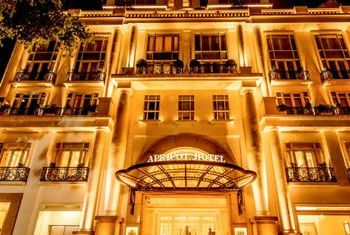 Apricot Hotel building