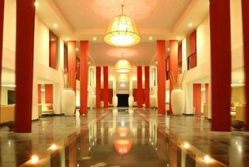 Almanity Hoi An Resort Corridor