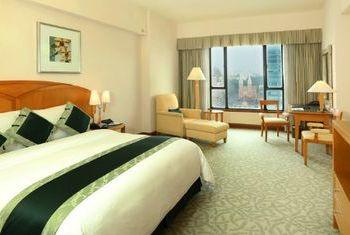 Caravelle Hotel - Saigon bedroom