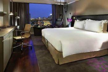 Sofitel Saigon Plaza Hotel Room