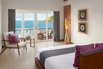 Avani Quy Nhon Resort & Spa bedroom