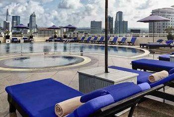 Sofitel Saigon Plaza Hotel Pool
