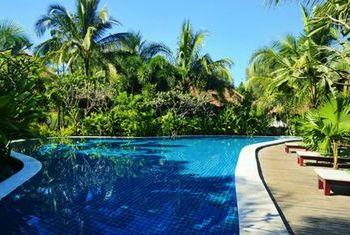 Ngapali Bay Villa & Spa Swimming Pool