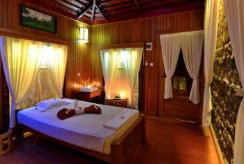 Popa Mountain Resort Bagan Bedroom