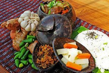 Ngapali Bay Villa & Spa Food 1