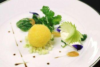 Sofitel Saigon Plaza Hotel Food 3