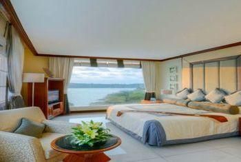 Independence Hotel bedroom