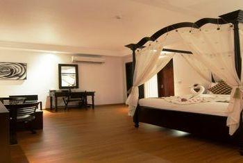 La Rose Suites Bedroom