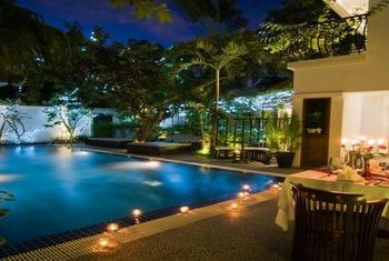 La Rose Suites Pool