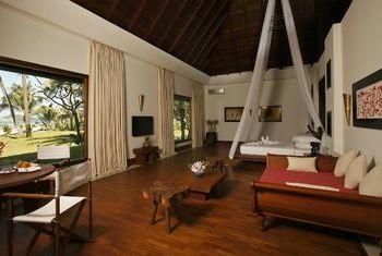 Ngapali Bay Villa & Spa Bedroom