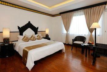 Amazing Bagan Resort bed