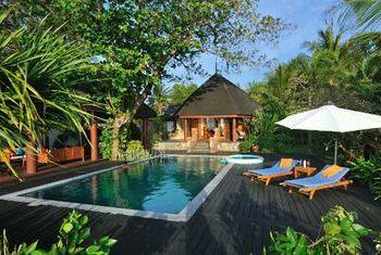Aureum Palace Spa &Resort Ngapali Beach pool 1