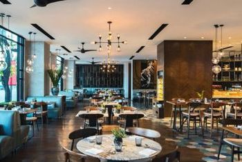 Renaissance Riverside Hotel Saigon deluxe