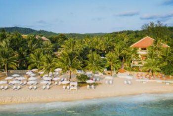 La Veranda Resort - Phu Quoc in front of beach