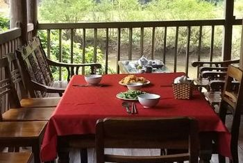 Ba Be Lake View Homestay Dining table
