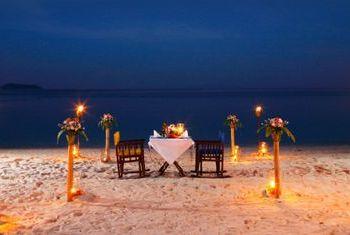 Zeavola Resort & Spa Dinning on the beach