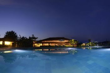 Barahi Jungle Lodge - Nepal pool