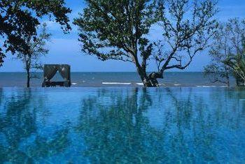 Knai Bang Chatt Resort pool