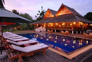 La Folie Lodge pool