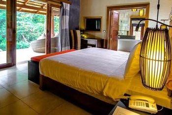 Nam Kat Yorla Pa Bedroom