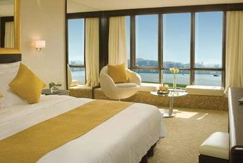 Regal Oriental Hotel Bed