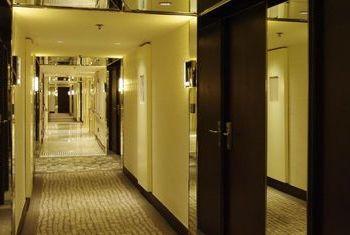 Regal Oriental Hotel Lobby