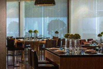 Renaissance Shanghai Yu Garden Hotel restaurant
