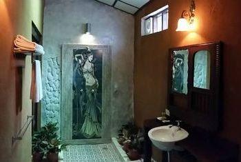 Sala Done Khone Bathroom