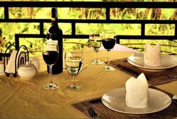 Vat Phou Cruise dining