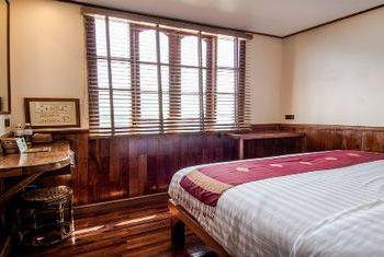 Vat Phou Cruise bedroom 2