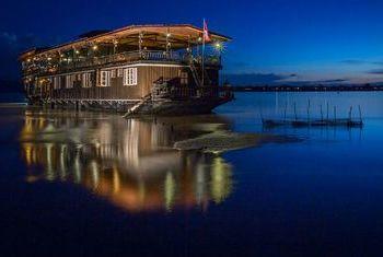 Vat Phou Cruise exterior