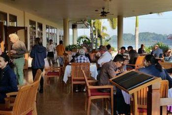 Win Unity Resort Hotel restaurant 2