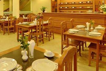 Win Unity Resort Hotel restaurant 1