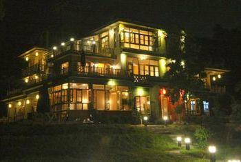 Yangshuo Moondance Hotel at night