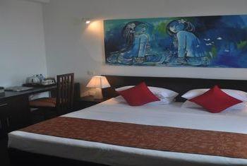 Amaara Sky Hotel Kandy Bed Room