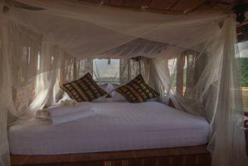 Dok Keow Cruise Bedroom