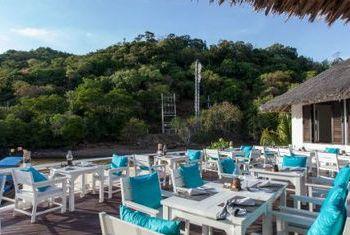 Phi Phi Island Village Beach Resort bar