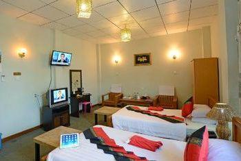 Cinderella hotel bedroom