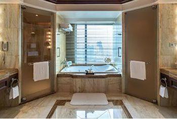 The Peninsula Bangkok Bathroom
