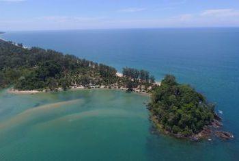 Golden Buddha Beach Resort beach