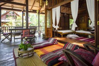 Golden Buddha Beach Resort beds