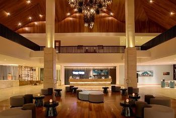 Pullman Danang Beach Resort Lobby