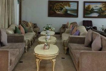 Mawlamyaing Strand Hotel Sofa